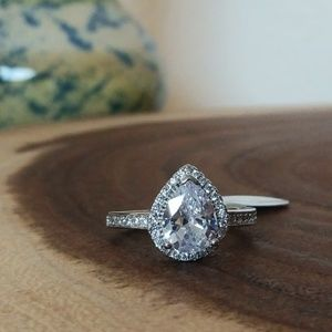 Gorgeous 2.5ct Pear CZ w/Halo Sterling Silver Ring
